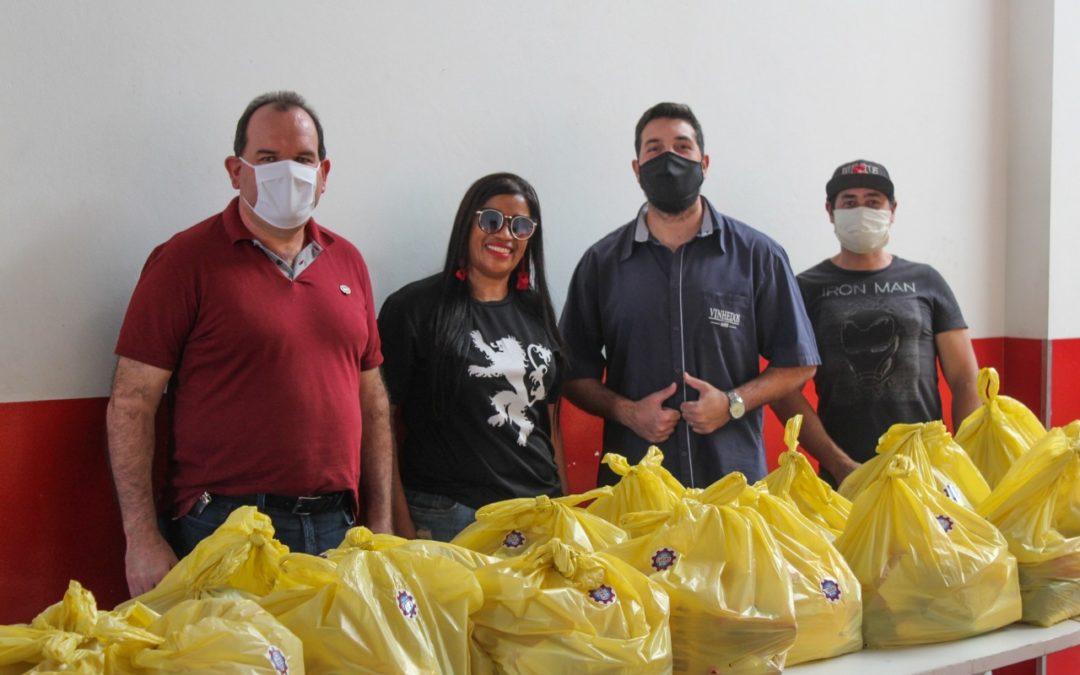 Vinhedos Papéis doa 1 tonelada de alimentos para a comunidade do bairro Euzébio Beltrão de Queiroz