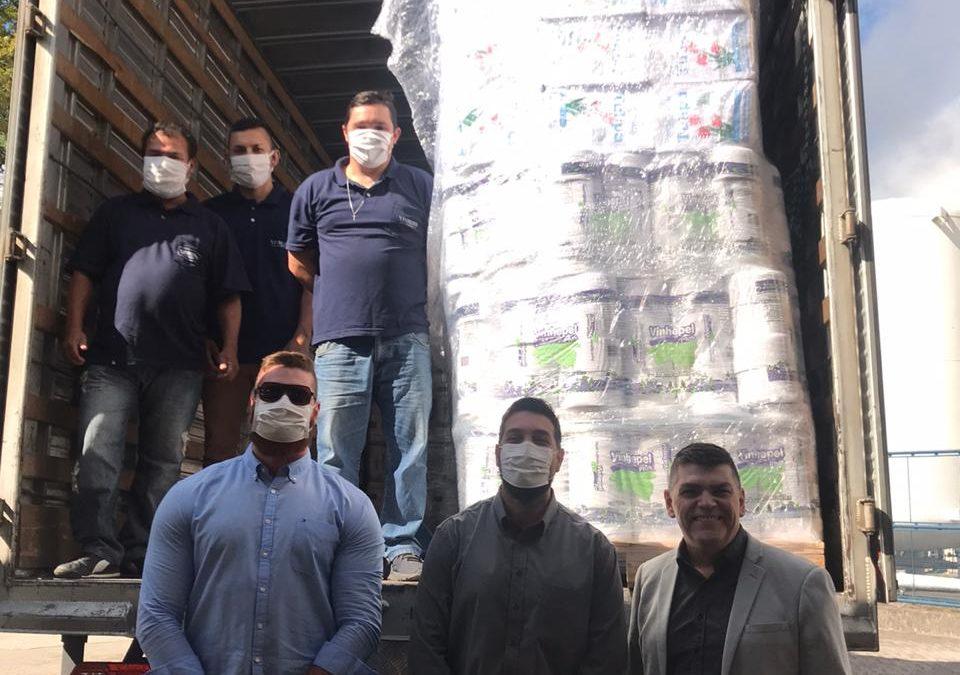 Vinhedos Papéis doa em torno de R$20.000,00 em produtos de higiene e limpeza para o Hospital Geral