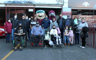 Vinhedos Papéis, Torcida Organizada e Conselheiros do Clube S.E.R Caxias, realizam doação de Cadeira de Rodas Motorizada, para jovem Daphine
